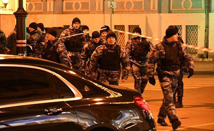 Общество: The Times (Великобритания): стрелок убил офицера ФСБ и ранил еще несколько человек у московской штаб-квартиры спецслужбы
