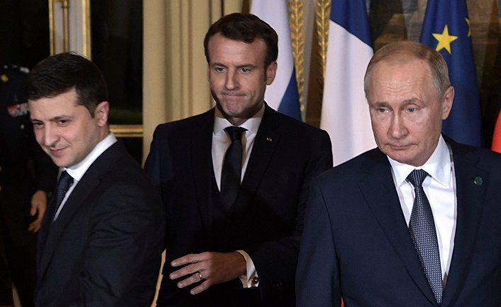 Общество: Bloomberg (США): президент Украины Зеленский показал в 2019 году, что он — противоположность Путина