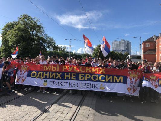 Общество: Сербская власть слушает Запад, анарод— здравый смысл