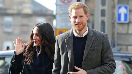 Общество: Принц Гарри и Меган Маркл растрогали поклонников своей рождественской открыткой