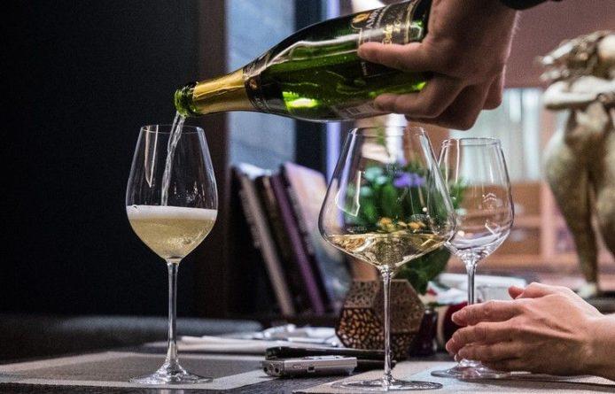 Общество: Украина прекратила экспорт коньяка и шампанского
