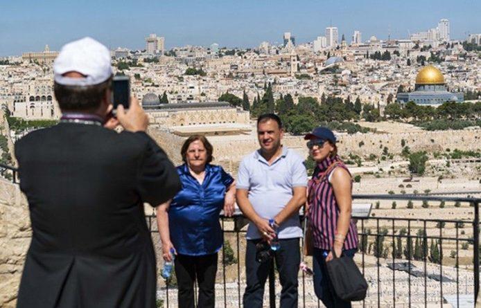 Общество: Израиль посетило рекордное количество туристов в 2019 году