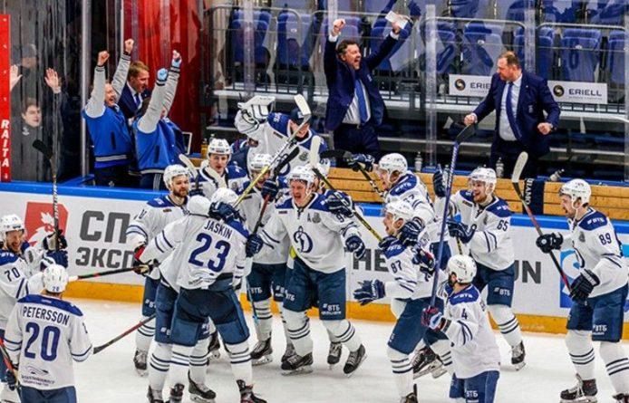 Общество: «Динамо» вырвало победу у «Спартака» и вышло во второй раунд плей-офф КХЛ