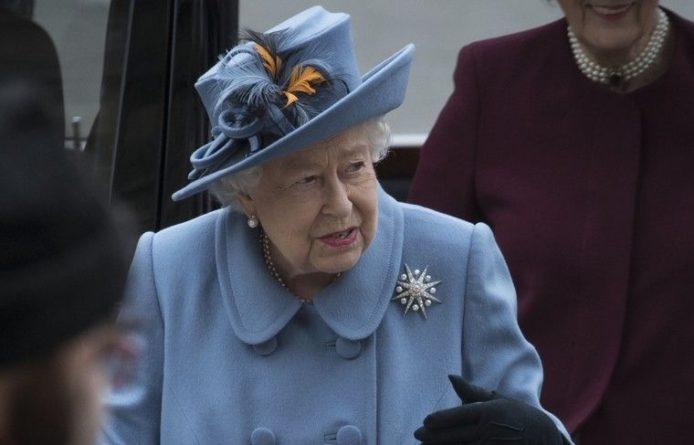 Общество: Елизавета II направила письмо беременной подруге Джонсона