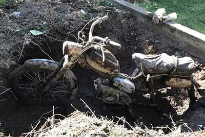 Общество: Британец случайно откопал в саду редкий мотоцикл - Cursorinfo: главные новости Израиля