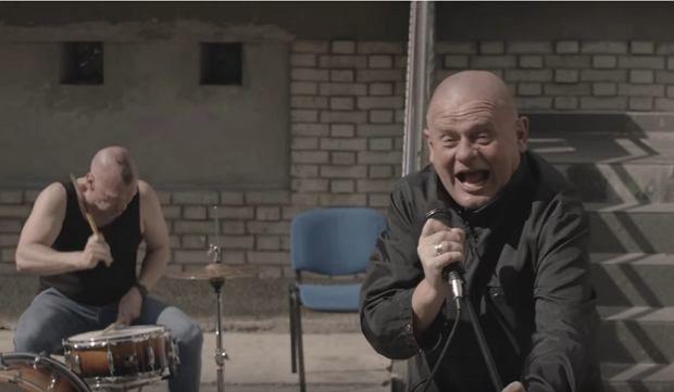 Общество: «Худшая коммунистическая практика»: с эфира снята песня о польском лидере