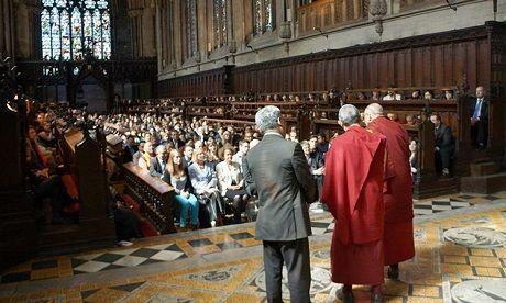 Общество: Кембриджский университет отменяет очные лекции до 2021 года