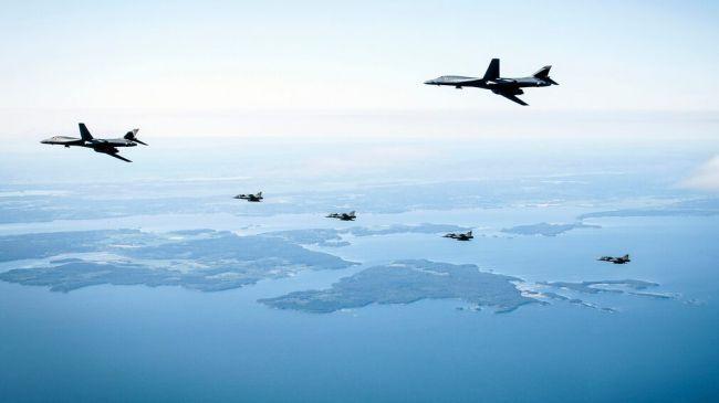 Общество: Первые в истории Скандинавии учения бомбардировщиков ВВС США B-1 Lancer