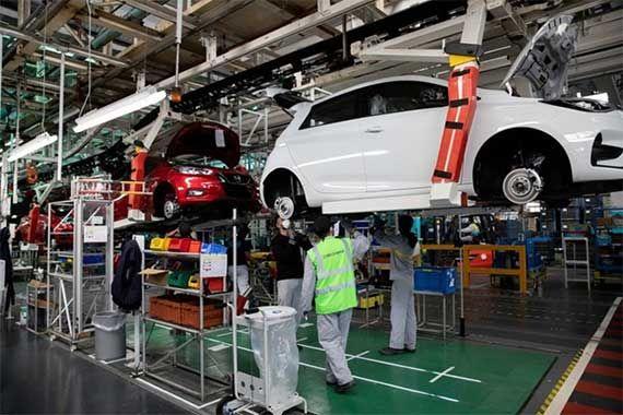 Общество: Renault видит угрозу в импорте китайских электромобилей