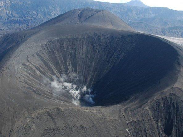 Общество: Вулкан на Алеутских островах способствовал падению Римской республики