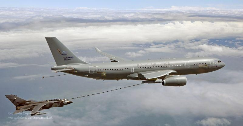 Общество: Самолеты ВВС Великобритании отказались от перехвата российских Ту-142