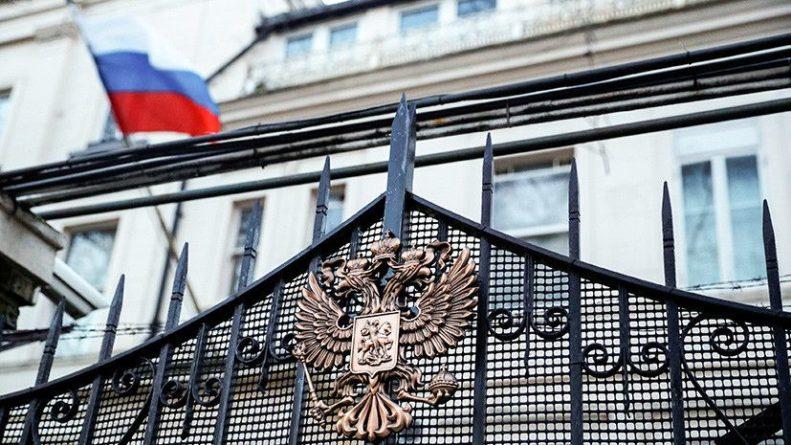 Общество: Посольство России отреагировало на решение Британии ввести санкции