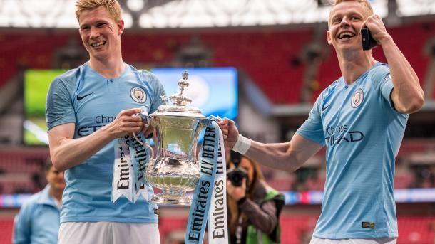 Общество: Одноклубник Зинченко признан лучшим футболистом сезона в Англии