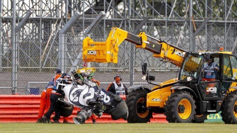 Общество: «Я не смотрел на трассу». Даниил Квят – об аварии на Гран При Великобритании