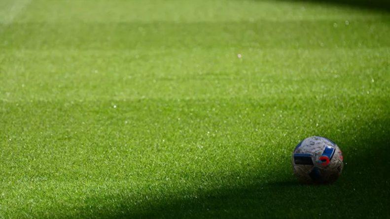Общество: В Англии намерены удалять футболистов за преднамеренный кашель на соперников