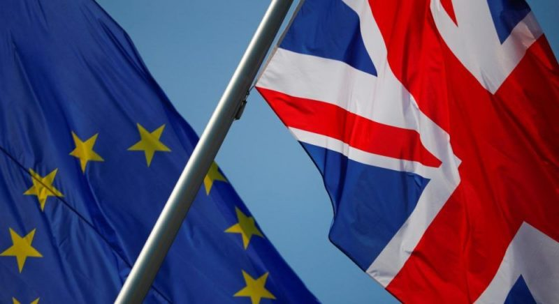 Общество: ЕС может пойти на компромисс по одному из своих ключевых требований в переговорах с Британией - СМИ