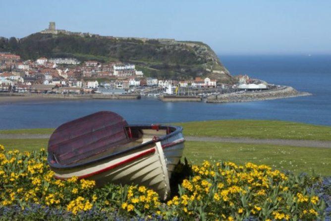 Общество: Выжил благодаря правилам из телешоу: В Британии 10-летний ребенок более часа дрейфовала в море