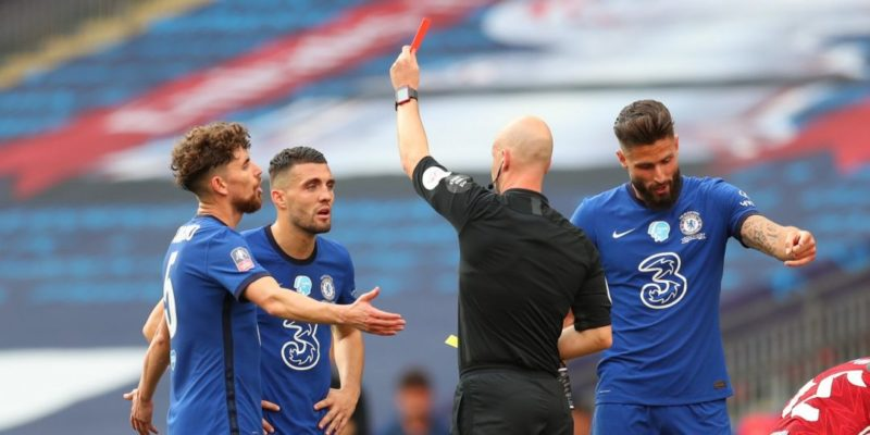 Общество: В Англии будут удалять футболистов с поля за «намеренный кашель» в сторону соперника или судьи