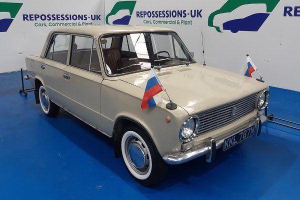 Общество: В Великобритании выставили на продажу выпущенную в 1975 году Lada-2101