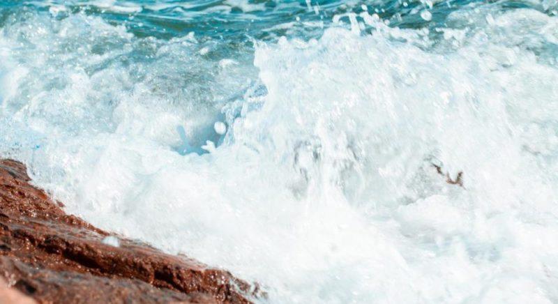 Общество: В Англии 10-летнего мальчика унесло в море: чтобы выжить, он повторил инструкции с фильма