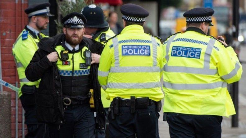 Общество: В Англии за день дважды напали на прохожих, с применением ножа и мачете