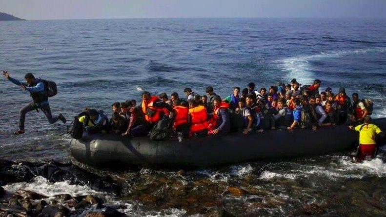 Общество: Лондон готов применить армию, чтобы сдержать поток мигрантов через Ла-Манш