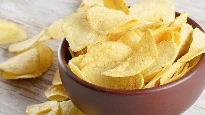 Общество: Британка из-за болезни 10 лет питалась чипсами и хлебом