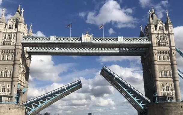 В Лондоне заклинило Тауэрский мост - Cursorinfo: главные новости Израиля