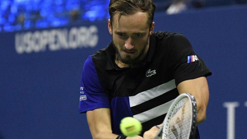 Общество: Медведев квалифицировался на итоговый турнир ATP в Лондоне