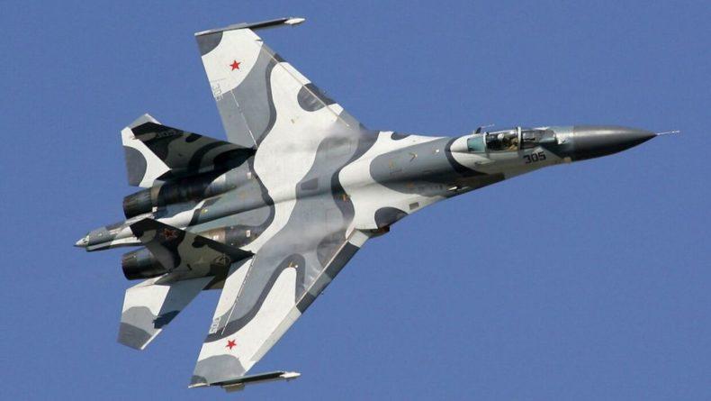 Общество: Российский Су-27 перехватил самолеты США и Великобритании над Черным морем