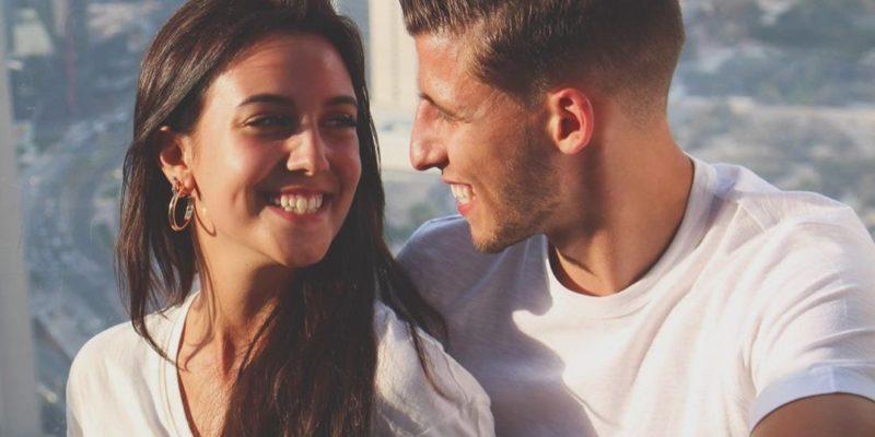 Общество: Манчестер Сити воссоединил своего новичка с его девушкой-певицей — видео