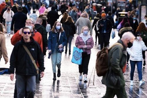 Общество: Коронавирус в Англии заразил уже более 530 000 человек
