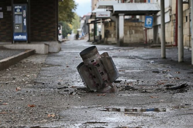 Общество: Лондон испугался роста влияния Москвы на Анкару из-за Нагорного Карабаха