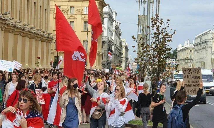 Общество: Британцы работают над фильмом о Беларуси для Netflix