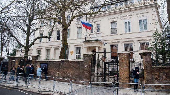 Общество: Посольство: Лондон пытается испортить отношения России с другими странами