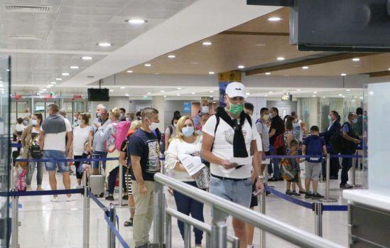 Общество: Великобритания понизила Кипр в списке безопасных стран