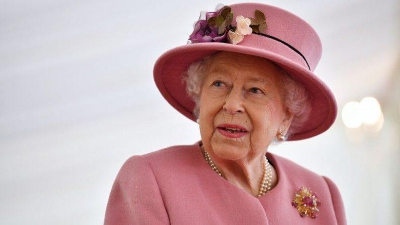 Общество: Британцы узнали о существовании «запасной» Елизаветы II