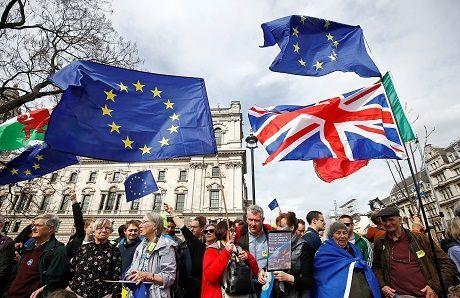Общество: ЕС призывает Великобританию принять скорейшее решение по Brexit, — Reuters