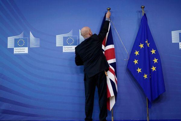 Общество: Попытка не пытка: Великобритания возобновит торговые переговоры с ЕС