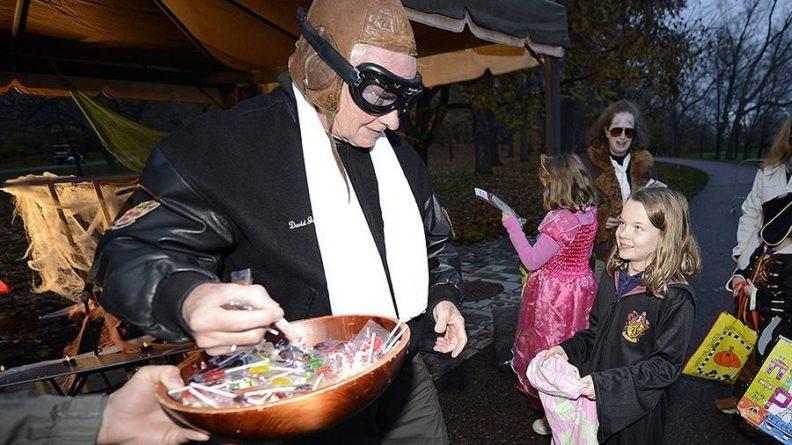 Общество: В Великобритании детям запретят просить у соседей сладости на Хэллоуин