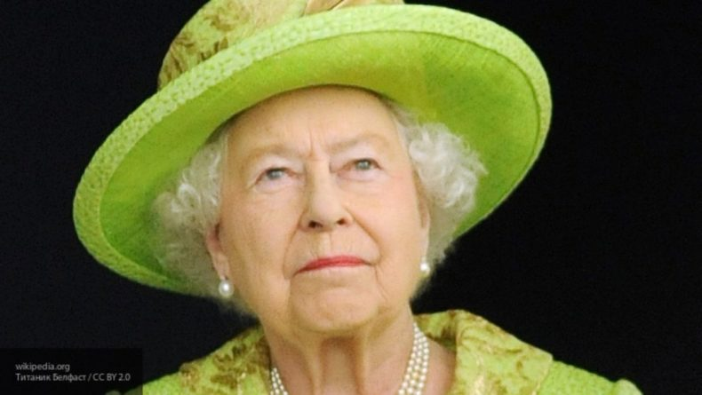 Общество: Королева Великобритании Елизавета II заказала себе украинскую вышиванку