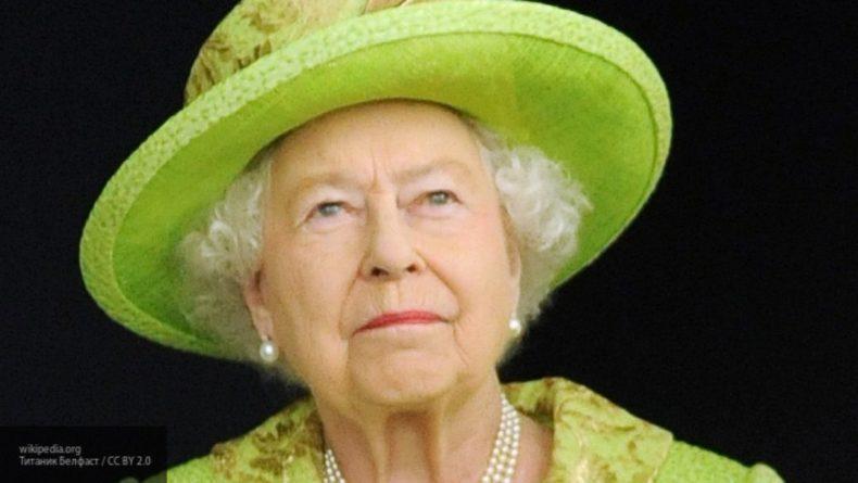 Общество: Британцы удивились сходству королевы Елизаветы II и ее официального дублера