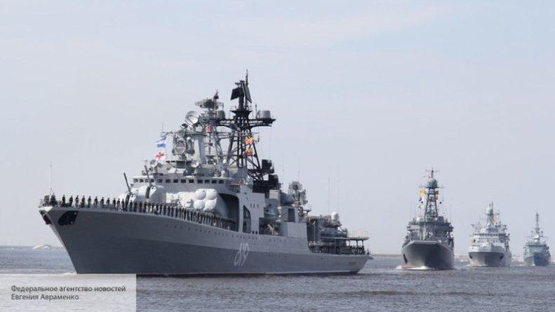 Общество: Эксперта из США насторожил маневр «слоняющихся» у Британии кораблей России