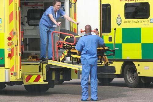 Общество: В Великобритании зафиксировали максимальный суточный прирост смертей от COVID-19