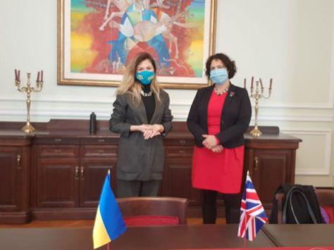 Общество: Великобритания готова вести консультации по Крымской платформе – Джапарова