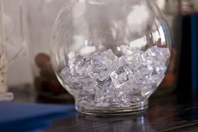 Общество: В Великобритании планируют выпускать экологичные алмазы «из воздуха»