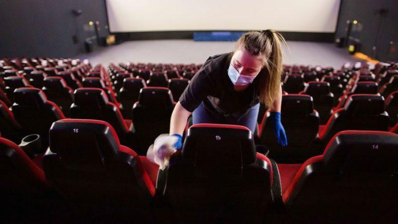 Общество: Британия повторно приостанавливает работу кинотеатров из-за COVID-19