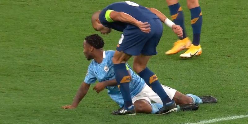 Общество: Манчестер Сити Порту - Пепе ударил Стерлинга в матче Лиги чемпионов - видео - ТЕЛЕГРАФ