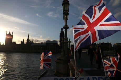 Общество: В Великобритании зарегистрировано 24 405 новых случаев COVID-19