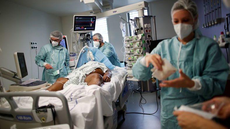 Общество: Британия обновила рекорд по суточному числу смертей от коронавируса
